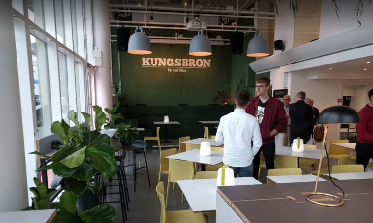 networking and professional interactions at Hive Workspace: benefits of coworking spaces